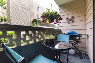 """Photo 6: 106 1442 BLACKWOOD Street: White Rock Condo for sale in """"BLACKWOOD MANOR"""" (South Surrey White Rock)  : MLS®# R2380049"""
