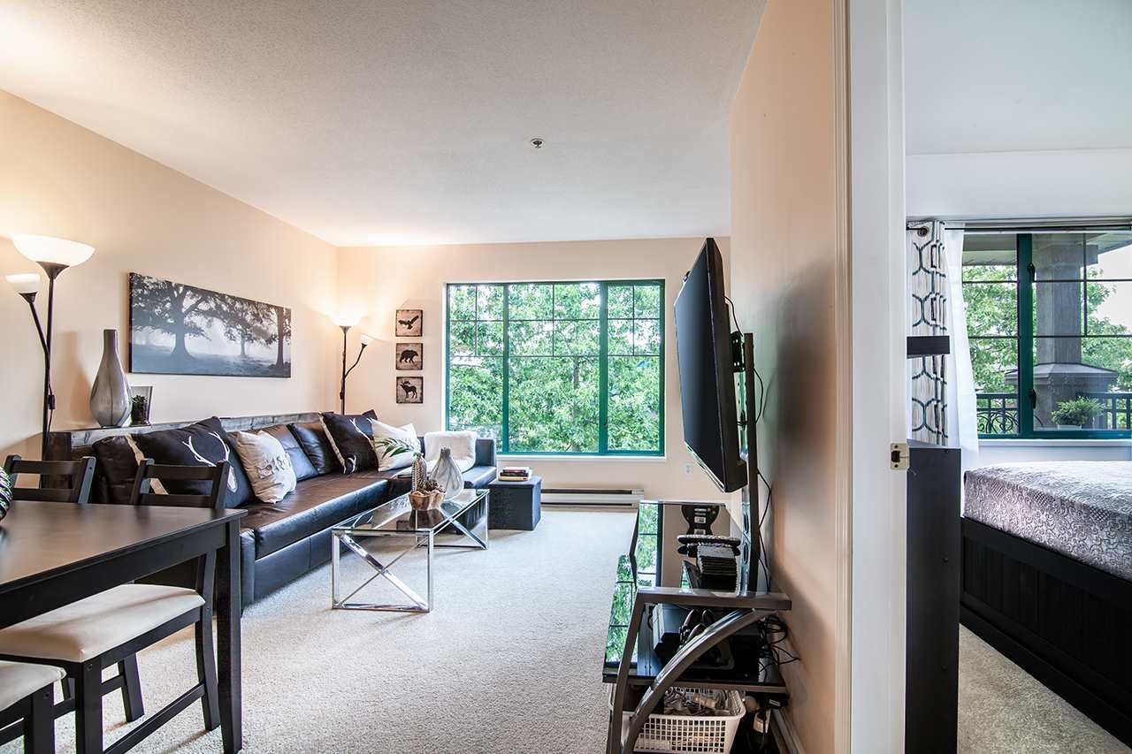 """Photo 11: Photos: 409 929 W 16TH Avenue in Vancouver: Fairview VW Condo for sale in """"OAKVIEW GARDENS"""" (Vancouver West)  : MLS®# R2189624"""