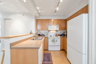 """Photo 6: 407 680 CLARKSON Street in New Westminster: Downtown NW Condo for sale in """"THE CLARKSON"""" : MLS®# R2595710"""