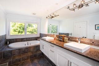 """Photo 11: 5615 GREENLAND Drive in Delta: Tsawwassen East House for sale in """"THE TERRACE"""" (Tsawwassen)  : MLS®# R2599281"""