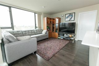 """Photo 2: 706 2689 KINGSWAY in Vancouver: Collingwood VE Condo for sale in """"SKYWAY TOWER"""" (Vancouver East)  : MLS®# R2146581"""