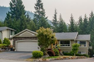 "Photo 1: 1004 TOBERMORY Way in Squamish: Garibaldi Highlands House for sale in ""Garibaldi Highlands"" : MLS®# R2193419"