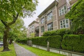 """Photo 2: 404 2161 W 12TH Avenue in Vancouver: Kitsilano Condo for sale in """"THE CARLINGS"""" (Vancouver West)  : MLS®# R2502485"""