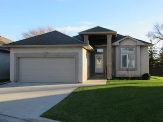 Photo 2: 26 North Plympton Village in Dugald: Single Family Detached for sale : MLS®# 1601626