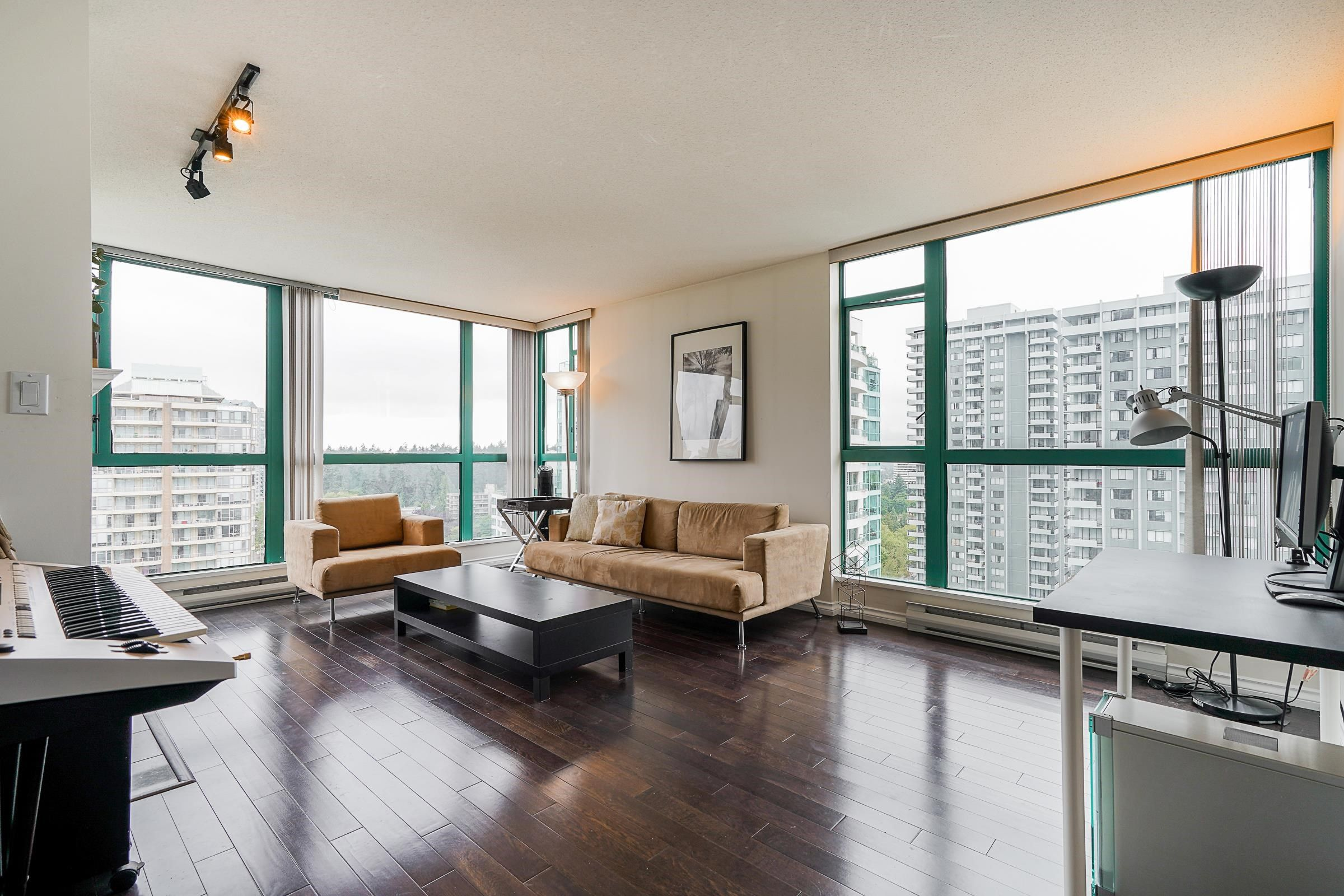 """Main Photo: 1804 5833 WILSON Avenue in Burnaby: Central Park BS Condo for sale in """"PARAMOUNT TOWER 1 BY BOSA"""" (Burnaby South)  : MLS®# R2613011"""