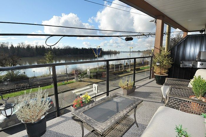 Main Photo: 202 22327 RIVER Road in Maple Ridge: West Central Condo for sale : MLS®# R2124535