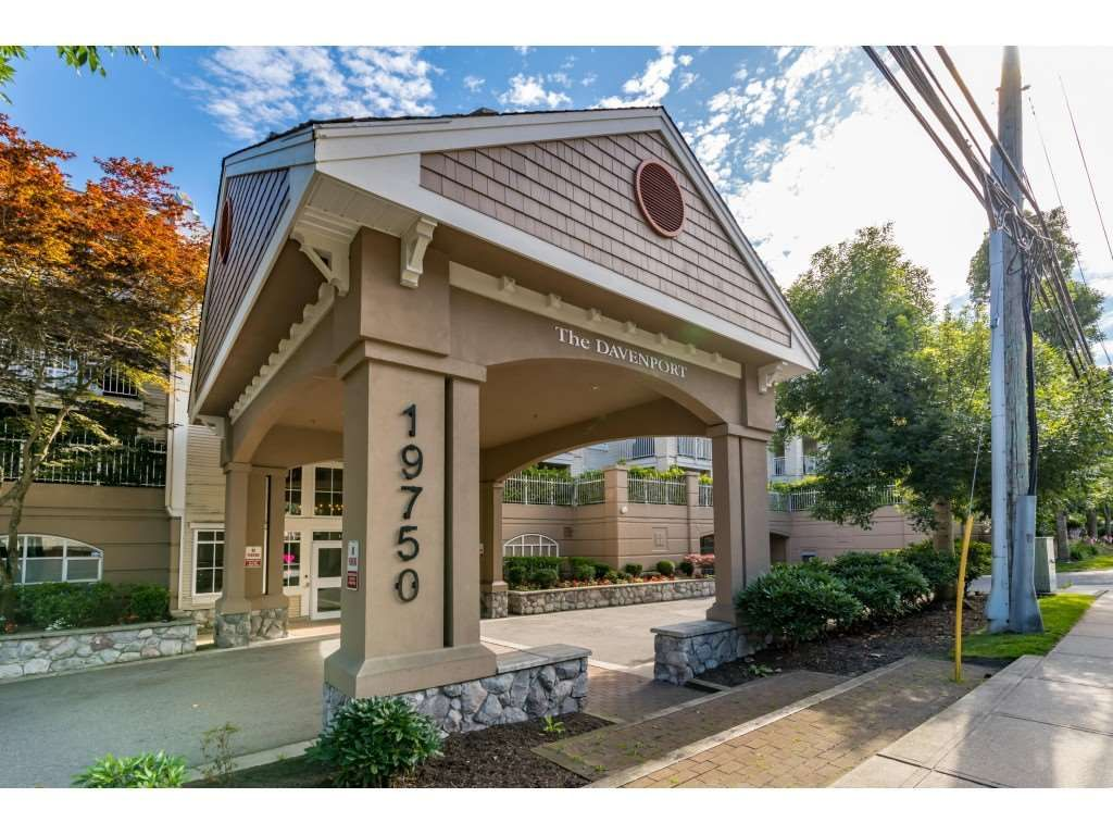 """Photo 2: Photos: 303 19750 64 Avenue in Langley: Willoughby Heights Condo for sale in """"Davenport"""" : MLS®# R2480874"""