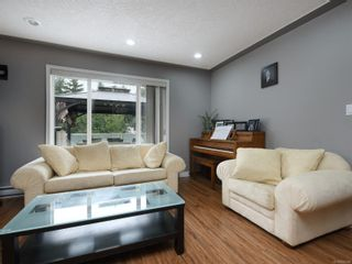 Photo 3: 1265 Dunsterville Ave in : SW Strawberry Vale House for sale (Saanich West)  : MLS®# 856258