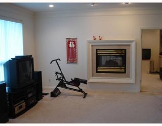 Photo 7: 4211 COLDFALL Road in Richmond: Boyd Park House for sale : MLS®# V697978
