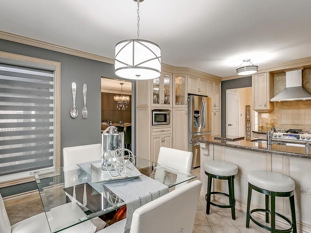 Photo 13: Photos: 2140 SIXTH Line in Oakville: Residential for sale : MLS®# H4068509