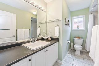 Photo 12: 605 Willmott Crescent in Milton: Clarke House (2-Storey) for sale : MLS®# W4578121