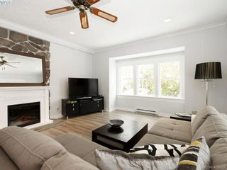 Photo 4: 1086 W Burnside Rd in VICTORIA: SW Strawberry Vale House for sale (Saanich West)  : MLS®# 812559