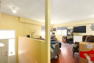 Photo 3: 3346 OXFORD Street in Port Coquitlam: Glenwood PQ House for sale : MLS®# R2488005