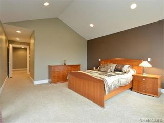 Photo 11: 2121 Quails Run in VICTORIA: La Bear Mountain House for sale (Langford)  : MLS®# 753114