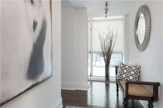 Photo 3: 36 Blue Jays Way Unit #924 in Toronto: Waterfront Communities C1 Condo for sale (Toronto C01)  : MLS®# C3706205