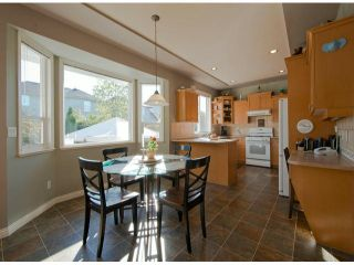 """Photo 4: 6238 167A ST in Surrey: Cloverdale BC House for sale in """"CLOVER RIDGE"""" (Cloverdale)  : MLS®# F1300016"""