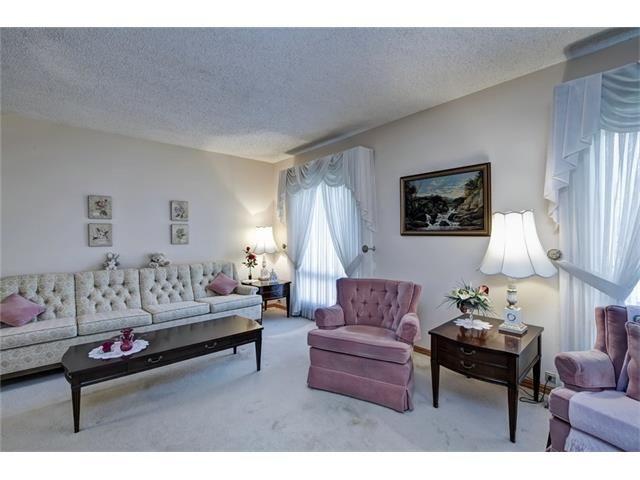 Photo 10: Photos: 210 OAKMOOR Place SW in Calgary: Oakridge House for sale : MLS®# C4091579