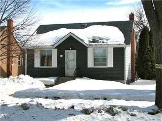 Photo 1: Photos: 1044 Warsaw Avenue in Winnipeg: Crescentwood Single Family Detached for sale (South Winnipeg)  : MLS®# 1306333