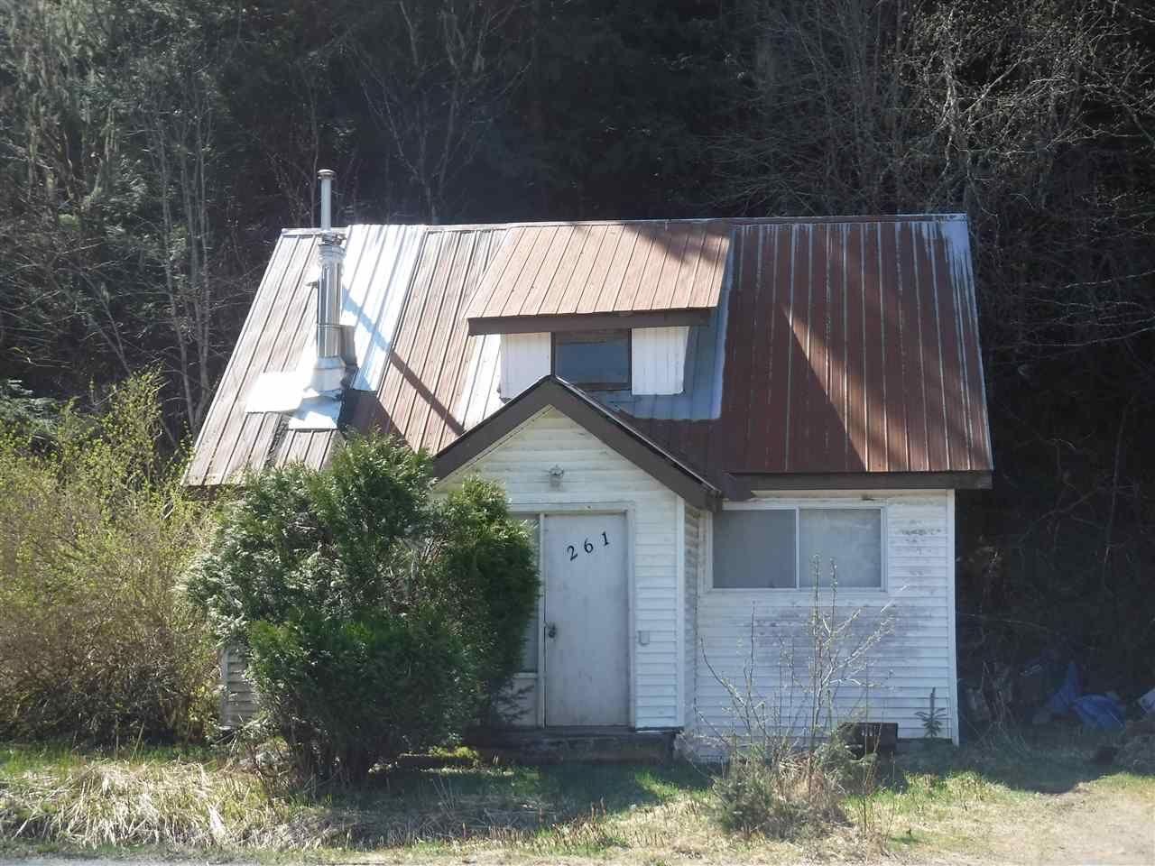 Main Photo: 261 MACKENZIE Highway in Bella Coola: Bella Coola/Hagensborg House for sale (Williams Lake (Zone 27))  : MLS®# R2567138