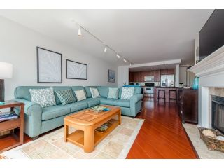 """Photo 9: 707 15111 RUSSELL Avenue: White Rock Condo for sale in """"PACIFIC TERRACE"""" (South Surrey White Rock)  : MLS®# R2074159"""