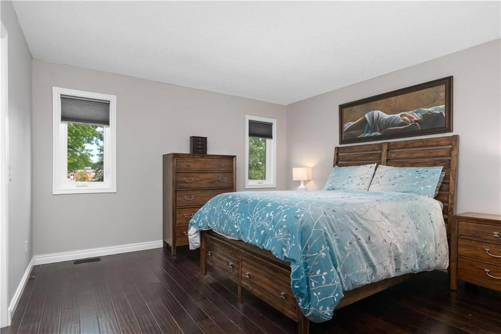 Photo 10: Photos: 1115 Waterford Avenue in Winnipeg: West Fort Garry Residential for sale (1Jw)  : MLS®# 202116113