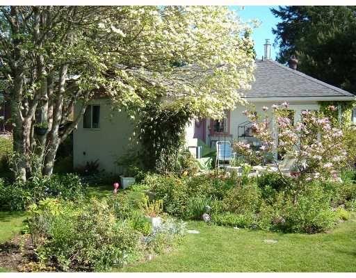 Main Photo: 5748 MEDUSA Street in Sechelt: Sechelt District House for sale (Sunshine Coast)  : MLS®# V799828