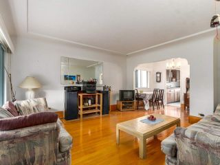 """Photo 4: 4281 VICTORIA Drive in Vancouver: Victoria VE House for sale in """"CEDAR COTTAGE"""" (Vancouver East)  : MLS®# R2151080"""