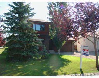 Photo 1: 46 EASTCOTE Drive in WINNIPEG: St Vital Residential for sale (South East Winnipeg)  : MLS®# 2814607