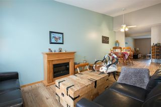 Photo 3: 16 WELLINGTON Cove: Strathmore Row/Townhouse for sale : MLS®# C4258417