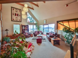 Photo 3: 242 BAYVIEW ROAD in West Vancouver: Lions Bay House for sale : MLS®# R2083072