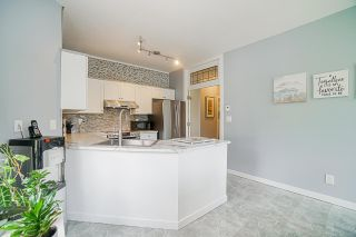 """Photo 14: 54 10038 150 Street in Surrey: Guildford Townhouse for sale in """"Mayfield Green"""" (North Surrey)  : MLS®# R2585108"""