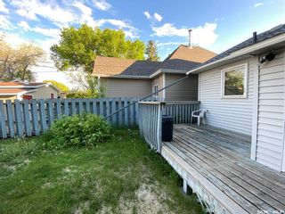 Photo 3: 323 Hall Street in Outlook: Residential for sale : MLS®# SK837687