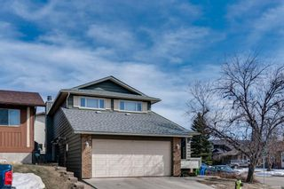 Photo 3: 28 Ranchridge Crescent NW in Calgary: Ranchlands Detached for sale : MLS®# A1080711