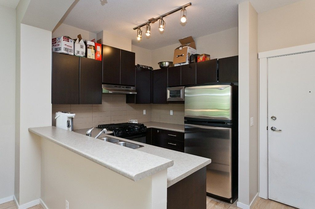 """Photo 8: Photos: 514 9319 UNIVERSITY Crescent in Burnaby: Simon Fraser Univer. Condo for sale in """"HARMONY AT THE HIGHLANDS"""" (Burnaby North)  : MLS®# V1009377"""