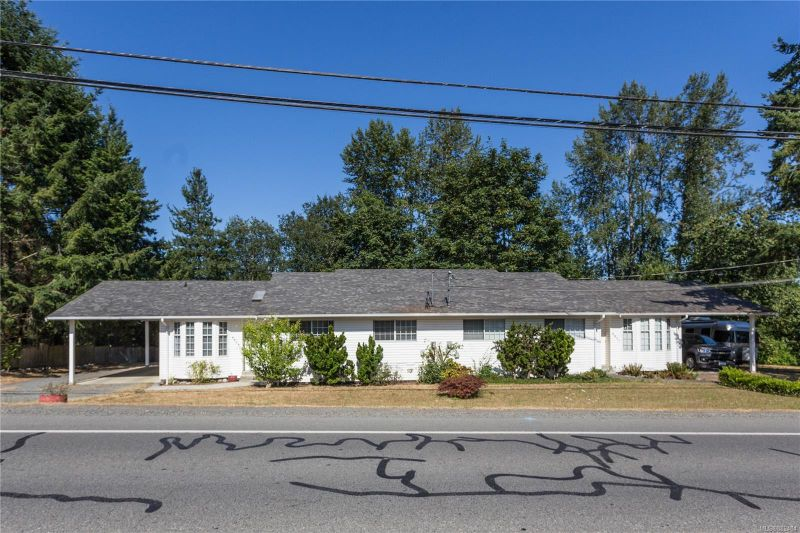 FEATURED LISTING: 8837-8839 Chemainus Rd