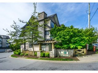 """Photo 2: 1 19932 70 Avenue in Langley: Willoughby Heights Townhouse for sale in """"SUMMERWOOD"""" : MLS®# R2162359"""