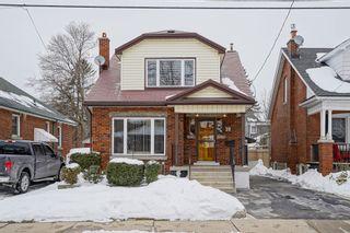 Photo 2: 17 Alpine Avenue in Hamilton: House for sale : MLS®# H4046661