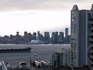 """Photo 21: 602 540 LONSDALE Avenue in North Vancouver: Lower Lonsdale Condo for sale in """"GROSVENOR"""" : MLS®# V864237"""