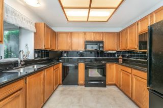 """Photo 3: 23 19171 MITCHELL Road in Pitt Meadows: Central Meadows Townhouse for sale in """"Holly Lane Estates"""" : MLS®# R2614547"""