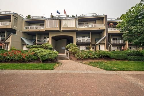 """Main Photo: 401 31 RELIANCE Court in New Westminster: Quay Condo for sale in """"QUAYWEST"""" : MLS®# R2195678"""
