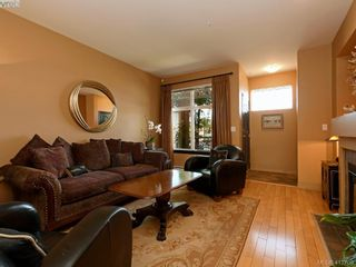 Photo 3: 13 60 Dallas Rd in VICTORIA: Vi James Bay Row/Townhouse for sale (Victoria)  : MLS®# 818335