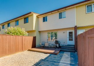 Photo 1: 3920 Fonda Way SE in Calgary: Forest Heights Row/Townhouse for sale : MLS®# A1116070