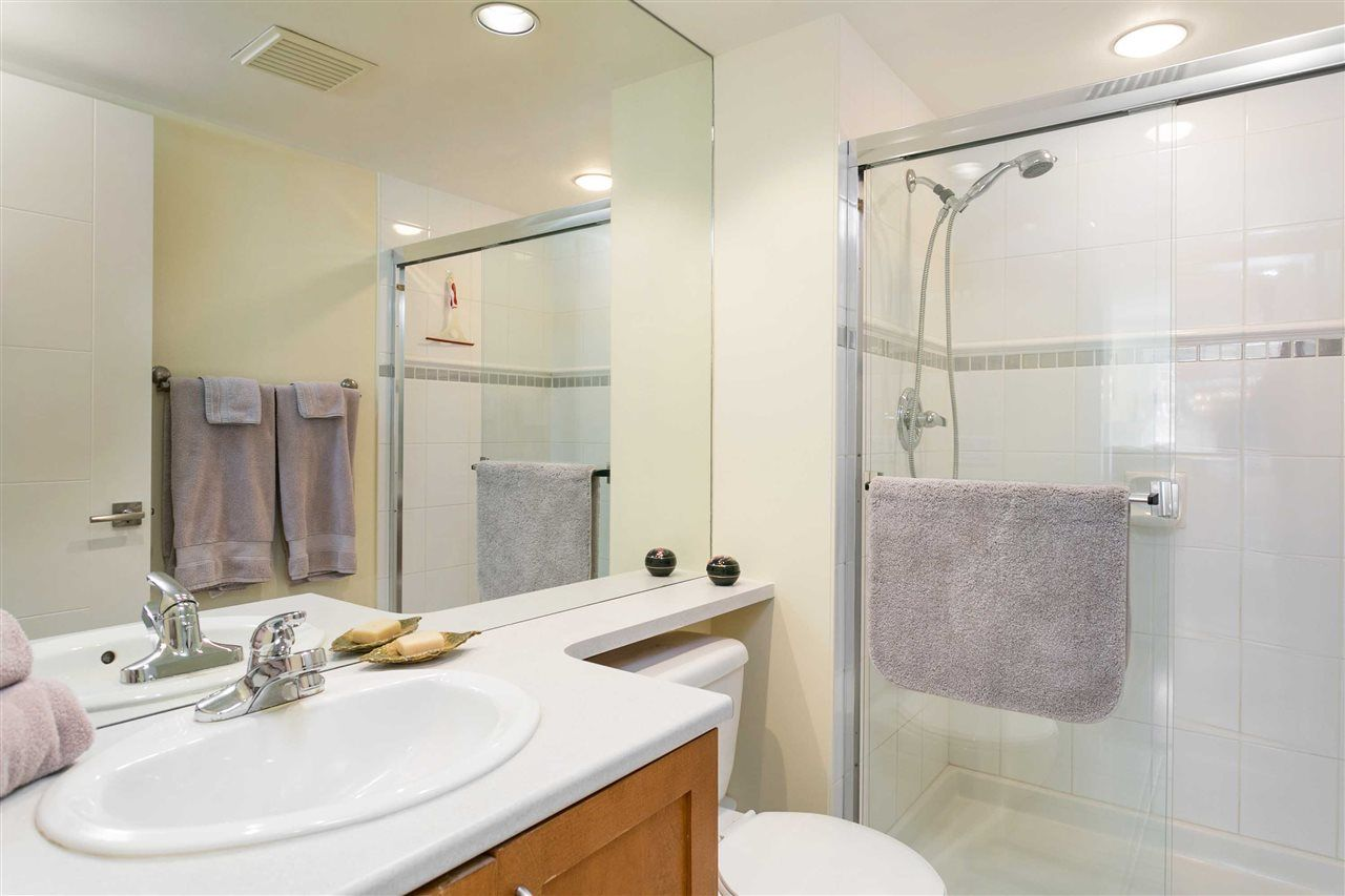 """Photo 13: Photos: 309 2181 W 12TH Avenue in Vancouver: Kitsilano Condo for sale in """"Carlings"""" (Vancouver West)  : MLS®# R2517965"""