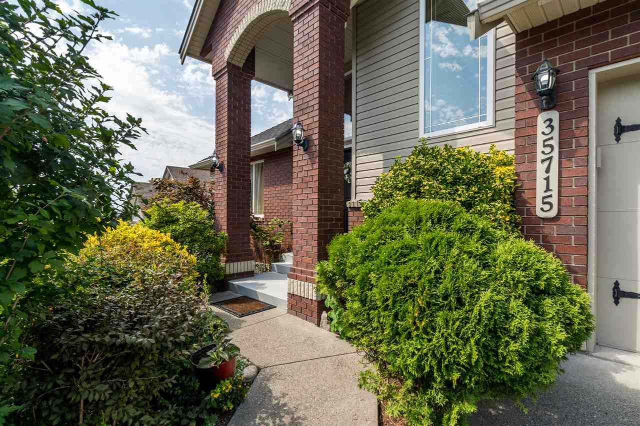 """Photo 4: Photos: 35715 LEDGEVIEW Drive in Abbotsford: Abbotsford East House for sale in """"Ledgeview Estates"""" : MLS®# R2481502"""