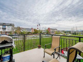 """Photo 16: 89 19433 68 Avenue in Surrey: Clayton Townhouse for sale in """"THE GROVE"""" (Cloverdale)  : MLS®# R2454192"""