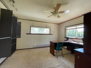 """Photo 5: 589 LEE Avenue: Willow River Manufactured Home for sale in """"Willow River"""" (PG Rural East (Zone 80))  : MLS®# R2589251"""