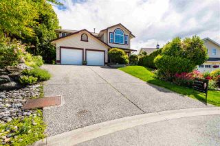 """Photo 3: 46688 GROVE Avenue in Chilliwack: Promontory House for sale in """"PROMONTORY"""" (Sardis)  : MLS®# R2590055"""