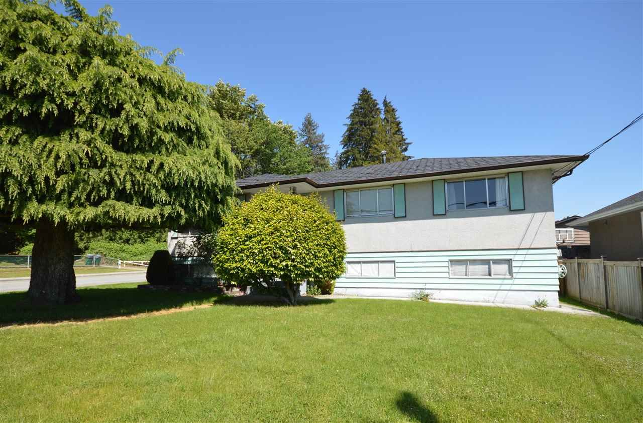 Main Photo: 1820 YEOVIL Avenue in Burnaby: Montecito House for sale (Burnaby North)  : MLS®# R2586099