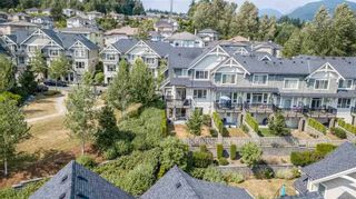 Photo 3: 133 3105 DAYANEE SPRINGS BL Boulevard in Coquitlam: Westwood Plateau Townhouse for sale : MLS®# R2244598