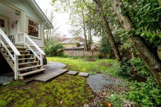 Photo 3: 3450 INSTITUTE Road in North Vancouver: Lynn Valley House for sale : MLS®# R2203601